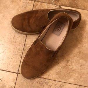 Ugg size 8.5 slip on shoe